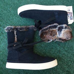 NWT Toms Vista Waterproof Boot Suede/Fur Black 6.5